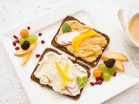 Týdenní inspirace na originální, jednoduché, zdravé snídaně a svačinky pro celou rodinu - 1. týden