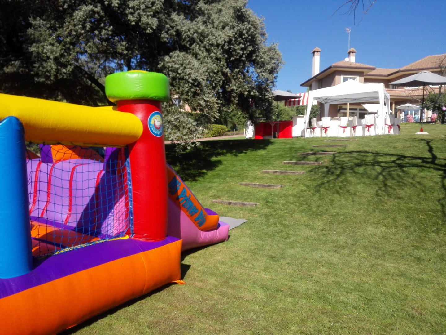 Cartillo hinchable para fiestas