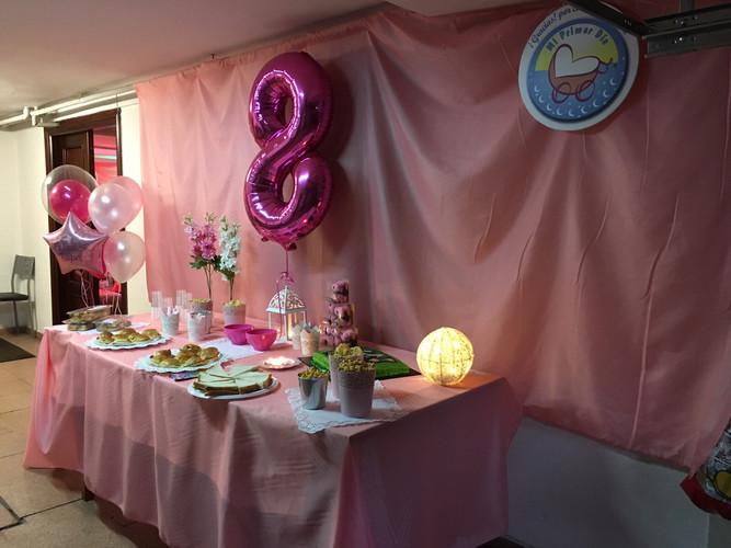 Mesa de picoteo para fiesta de niñas