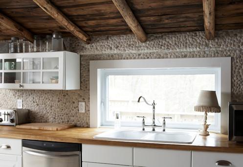 Kitchen_01.jpg