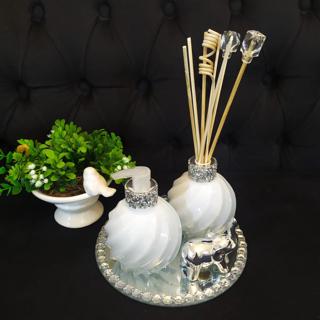 Aromatizador color 255ml - R$ 98 / Sabonete Liquido R$ 65 / Vaso com verdinho R$ 35