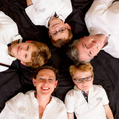 Family-Photo-Suz-McFadden-Photo.jpg
