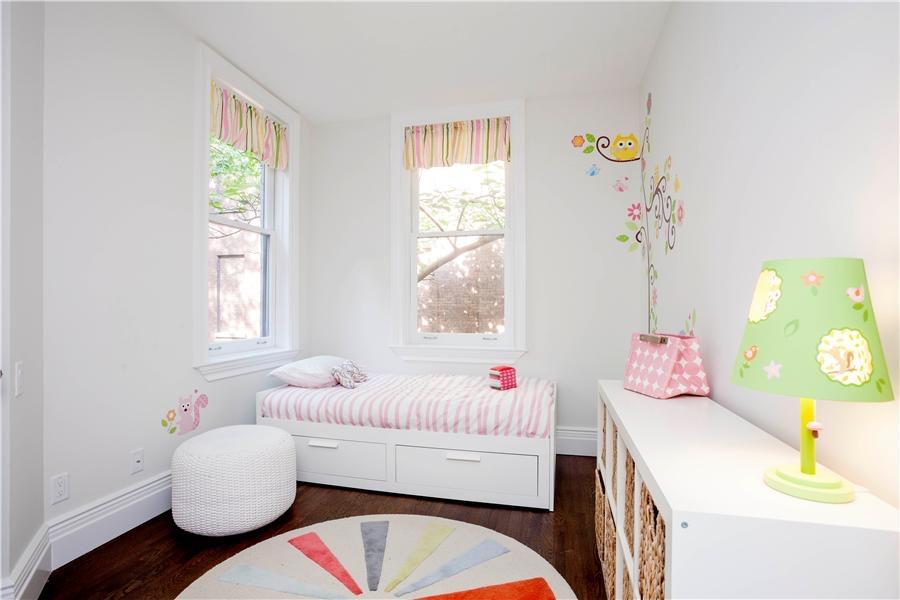 UNIT 1 - BEDROOM 2