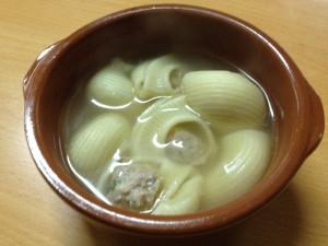 Sopa de galets farcits