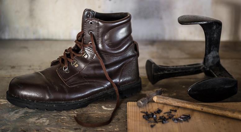 Boot iron.jpg
