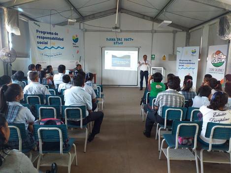 """Lanzamiento de la iniciativa """"Ríos Limpios"""" con las hidroeléctricas Perené y EGE Santa Ana: comunida"""