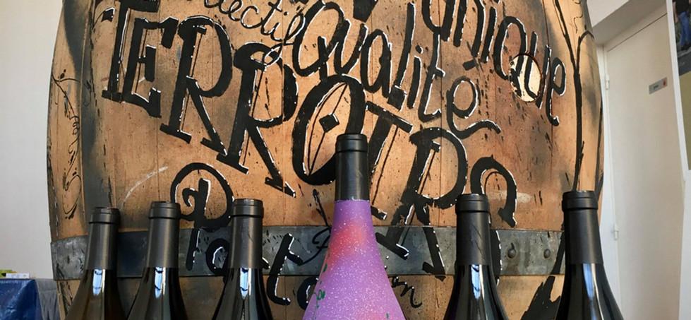 Décor graff sur fût et bouteille Cave de