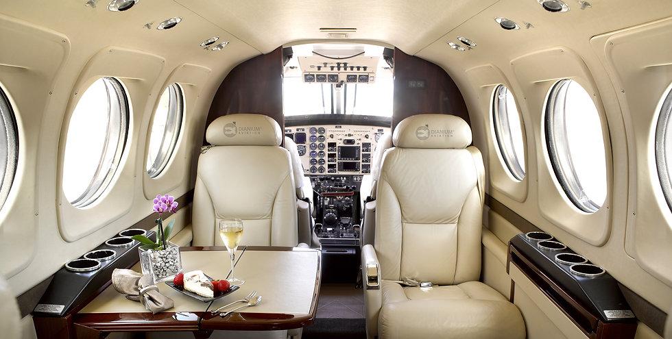 Full-Service Partner für individuelle Lösungen im Bereich Ad-Hoc-Charter, Privatjets und Helikopter