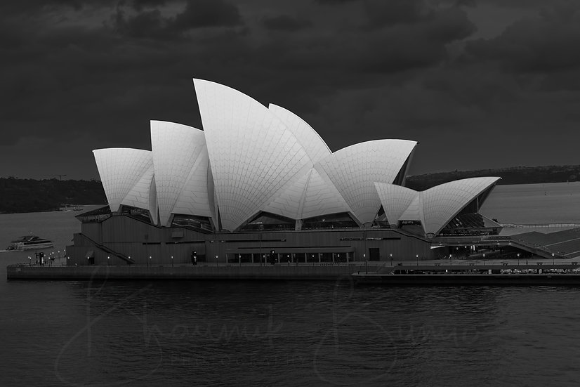 In a different shade -Sydney Opera House B&W collection