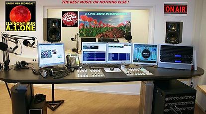 A.1.ONE.WEB.RADIO.BROADCAST VOTRE BOUQUET DE 20 WEBRADIOS, ET TOUS LES STYLES QUE VOUS AIMEZ, CHOISISSEZ, ECOUTEZ, SOYEZ BIEN ! LISTEN THE BEST MUSIC OR NOTHING ELSE !
