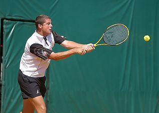 tennis-1476429_1280.jpg