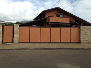 Motorized gate by SNJ Supply, Hawaii Knotwood Installer