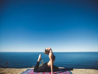 Chiropractic Compliments Yoga