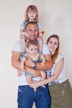 משפחה בסטודיו לצילום