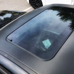 BMW Roof in matte carbon fiber