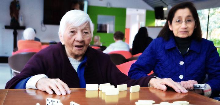 Atención al adulto mayor. Hogar geriátrico,Bogotá, Hogar Sagrada Familia