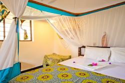 Comfort Bungalow Bedroom2