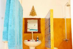 Bellevue Garden Caottage Bathroom