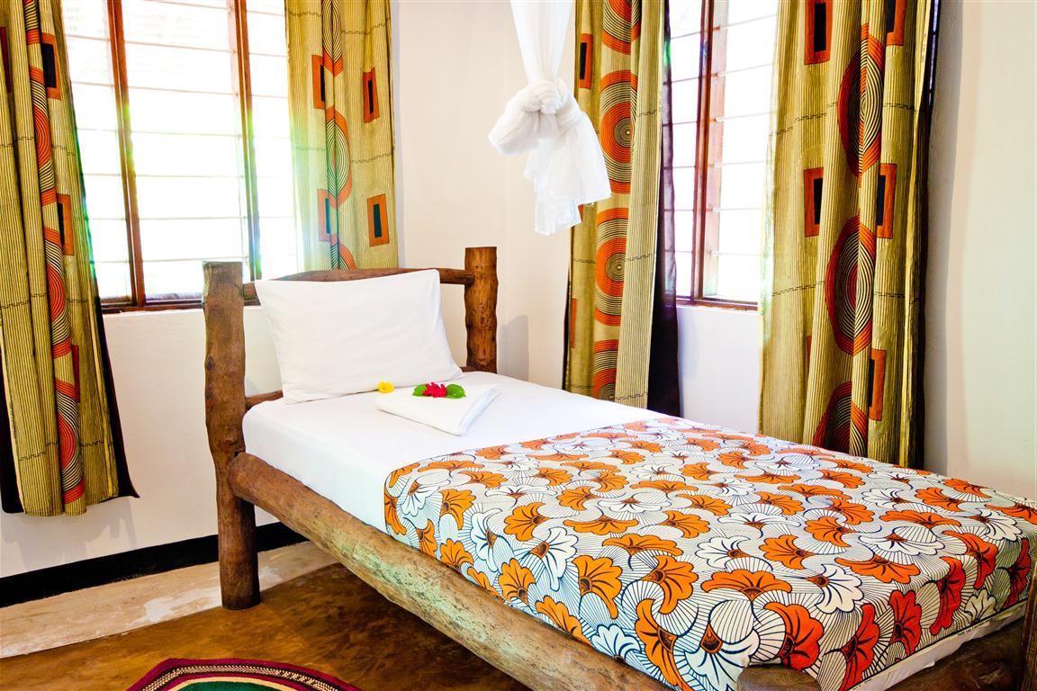 Bellevue Garden Cottage Single bed