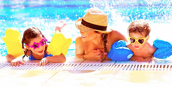 Happy-family-in-aquapark-498600943_3473x