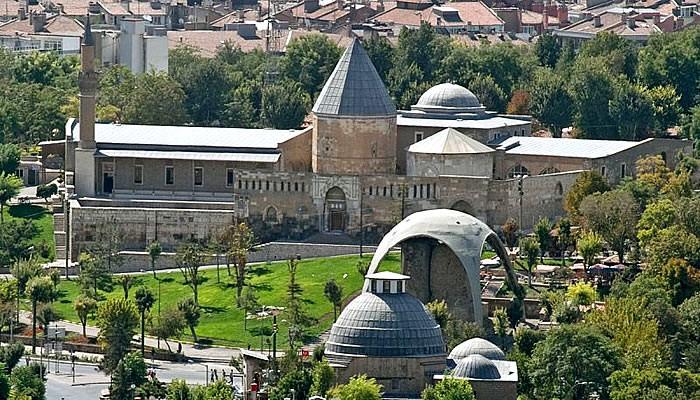 Konya_Aleddin_Camii.jpg