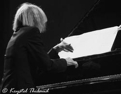 Carla Bley mains©Krystel Thibaud 2008