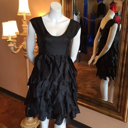 Tres Tres Chic Black Dress