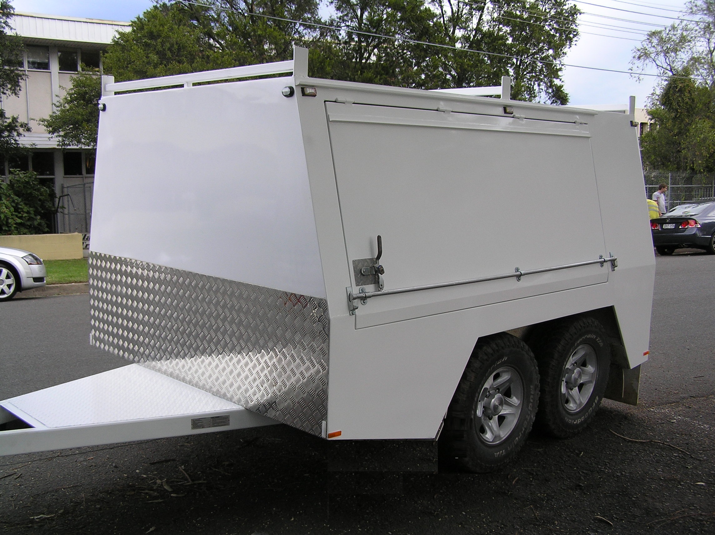 Tradesman Tandem Enclosed