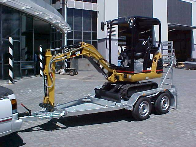 Cat Mini Excavator 2 Ton