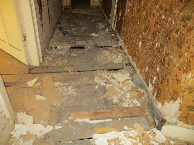 2nd floor main passageway before renovation.