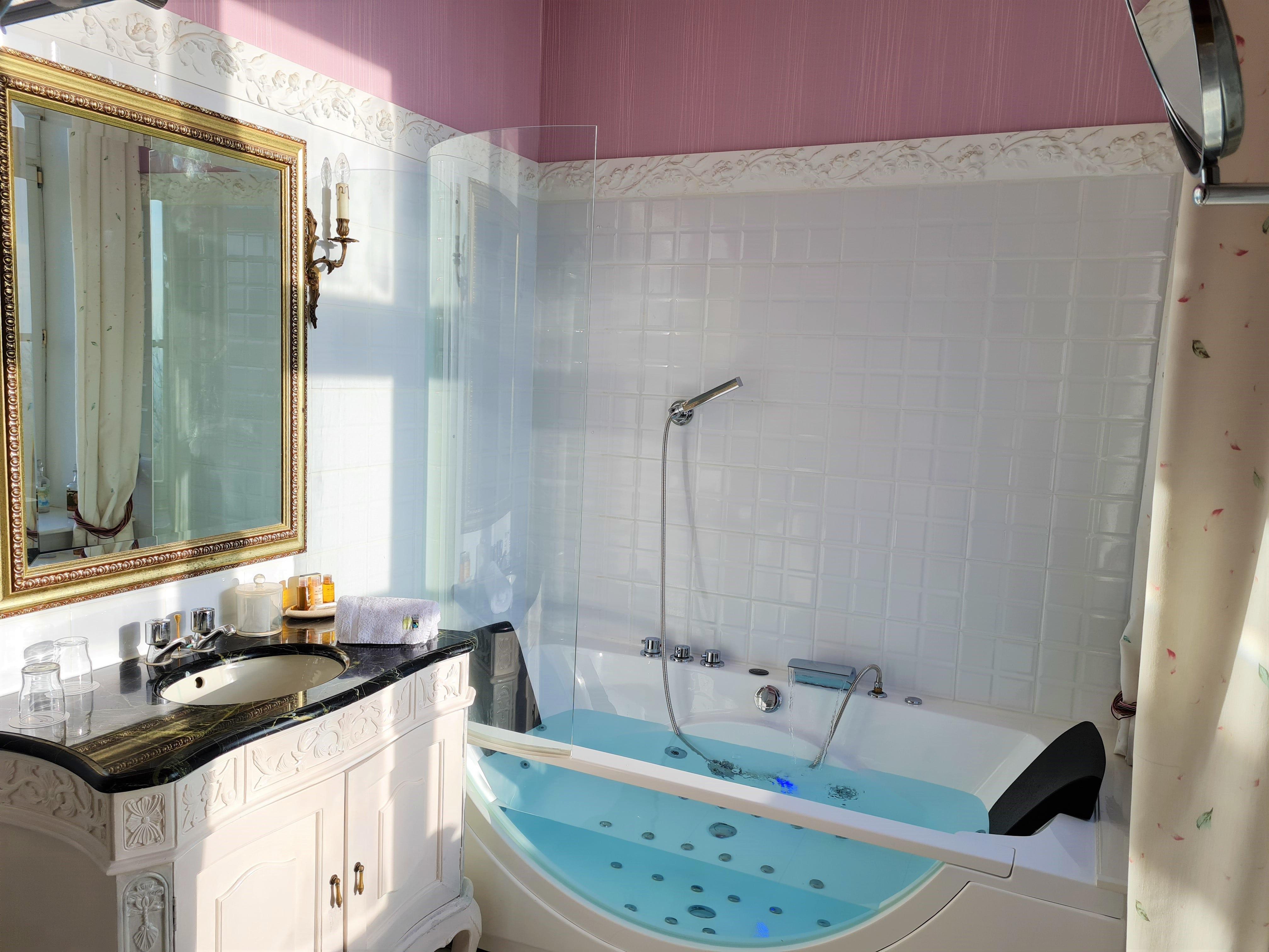 baignoire balnéo la vie en rose