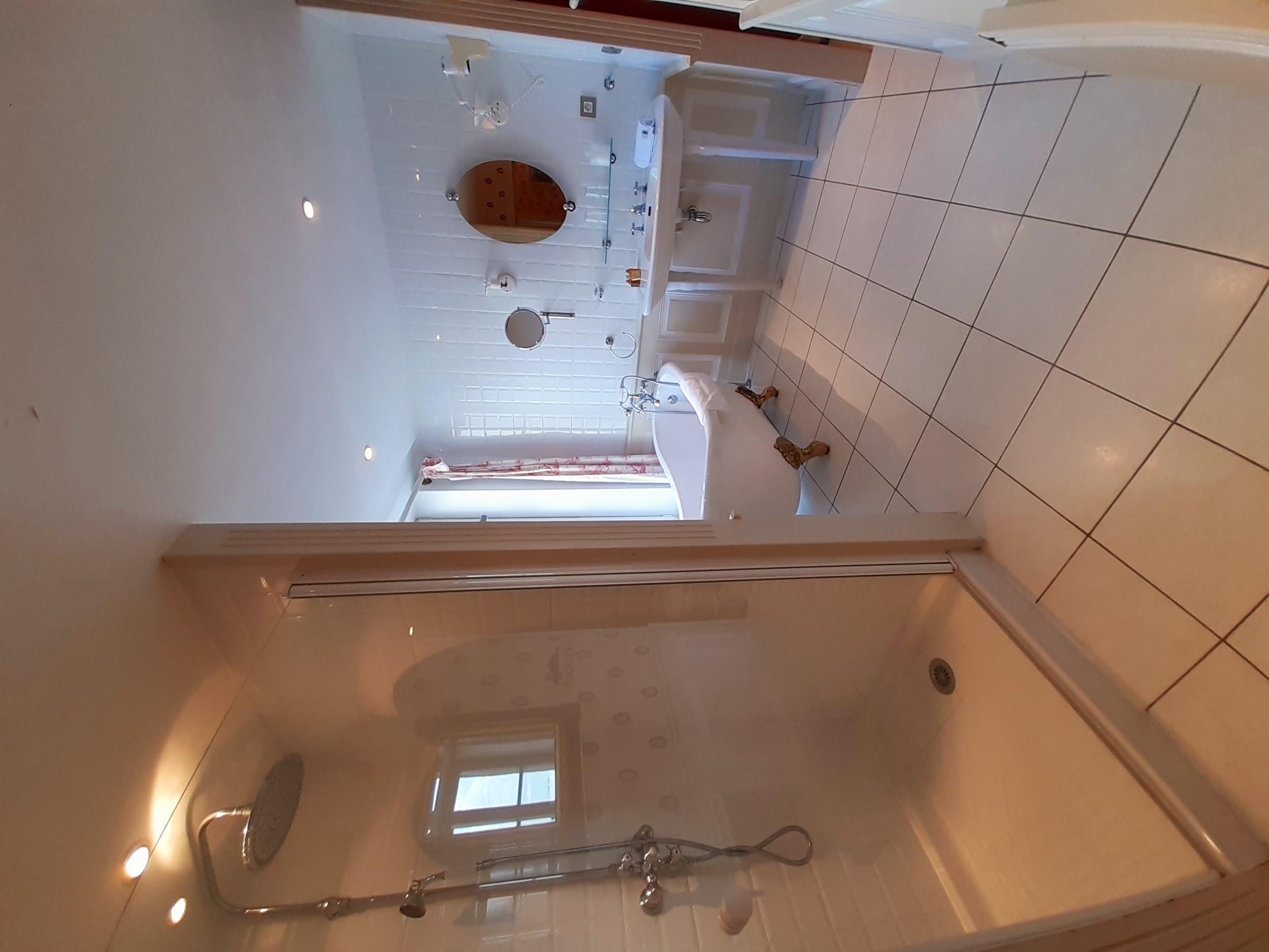 salle de bain suite foch schoebeque