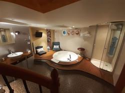 salle de bain chambre mer schoebeque-min