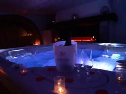 Suite Spa Jacuzzi schoebeque