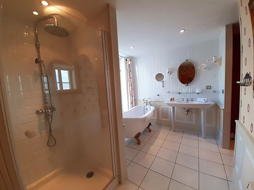salle de bain suite foch 1 schoebeque.jp