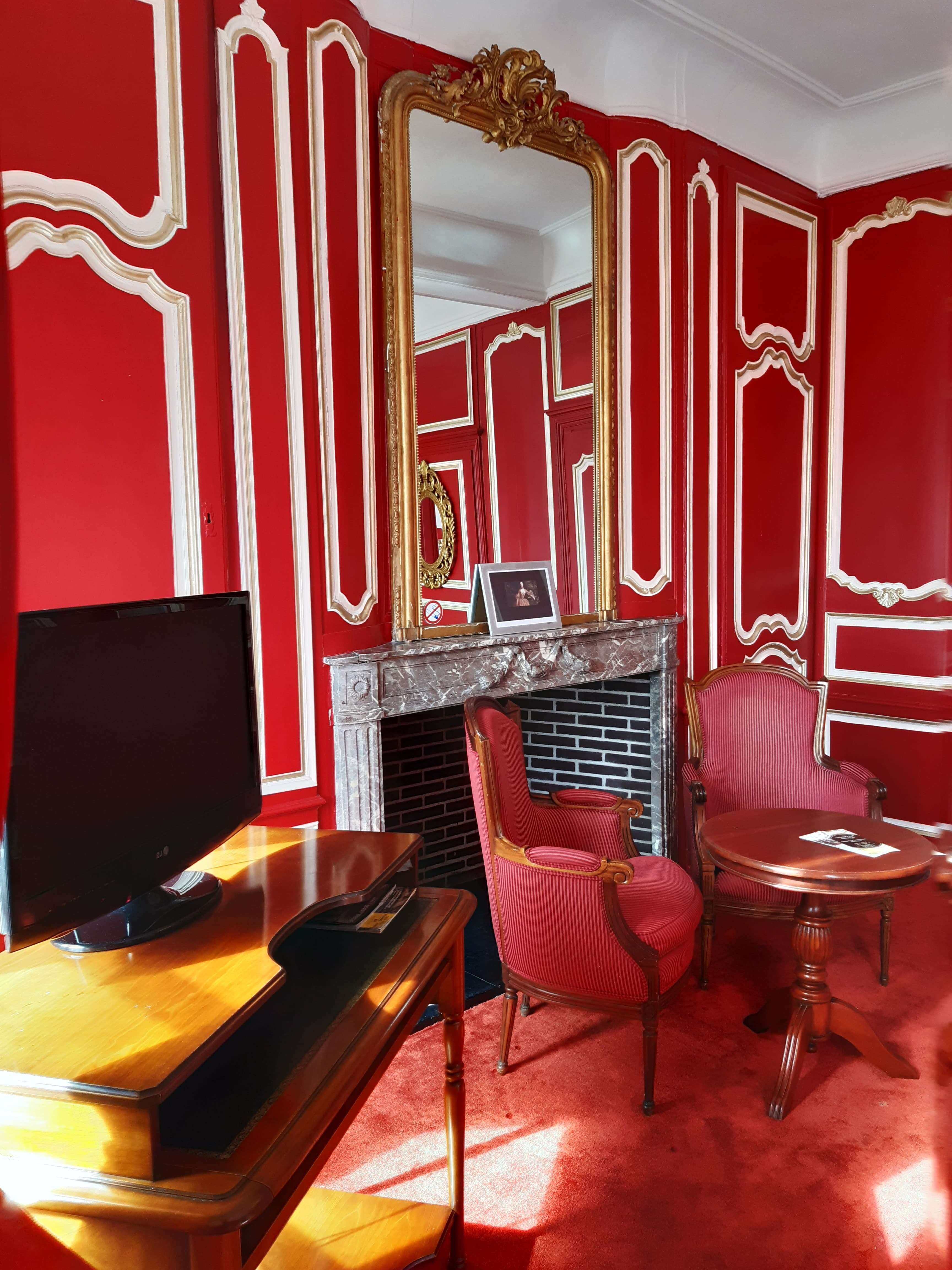 Salon chambre pompadour schoebeque-min