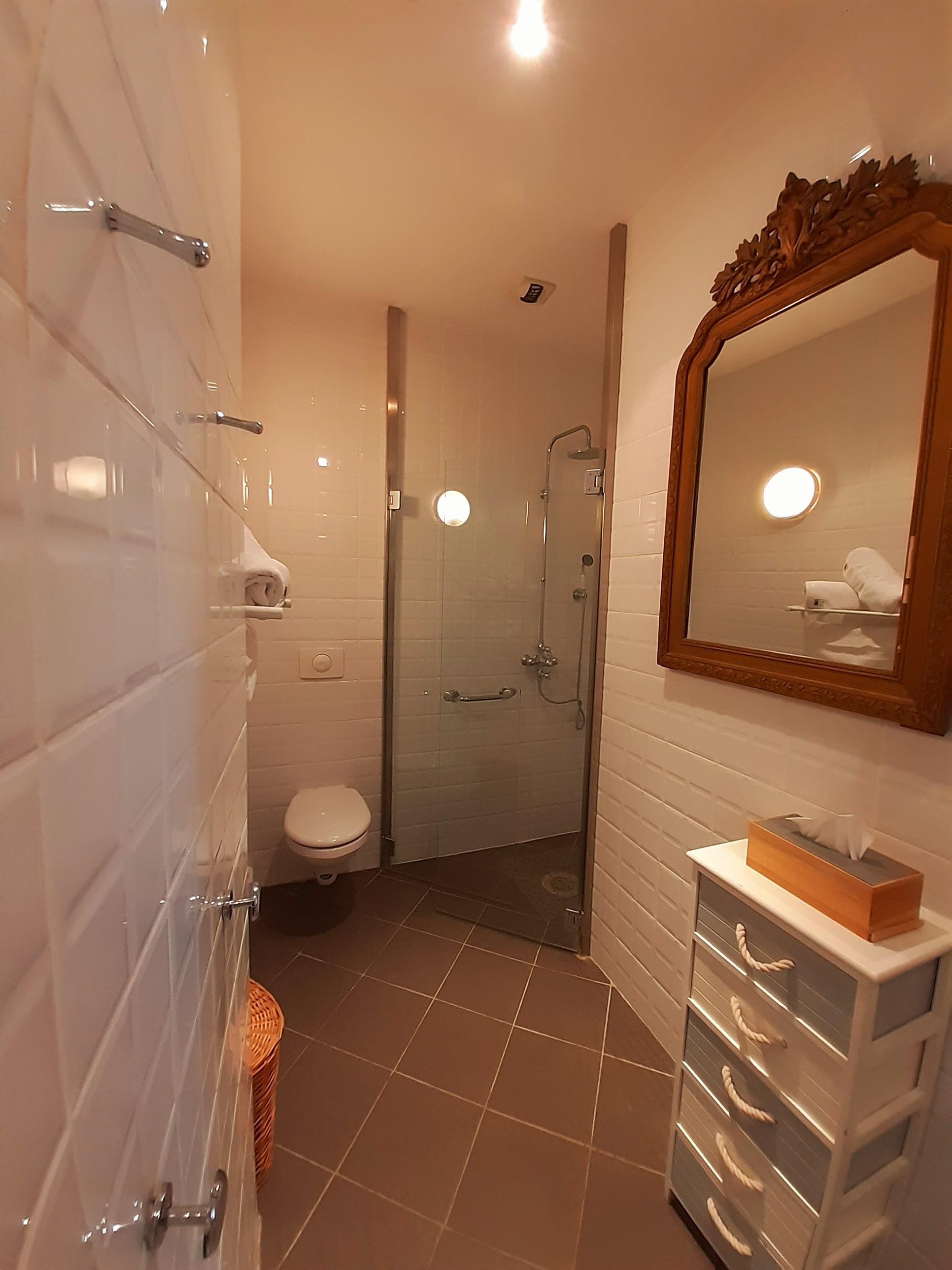 salle de bain chambre gens du nord - sch
