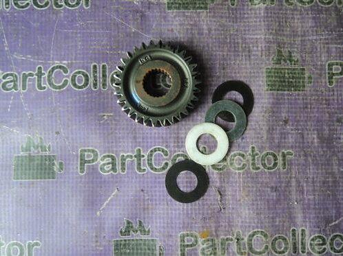 PIAGGIO RUNNER FX FXR 125 180 DRAGSTER REAR WHEEL GEAR SHAFT SPROCKET 4855265