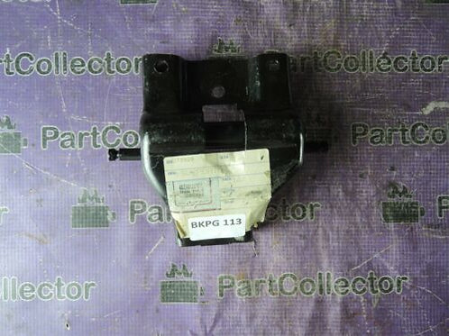 PIAGGIO VESPA GP1 BOULEVARD NRG FLY BEVERLY MAIN STAND SUPPORT BRACKET 272929