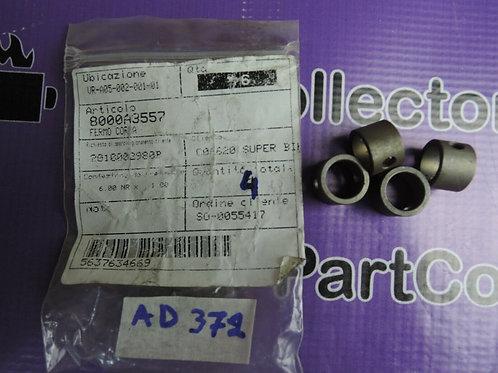 4x HUSQVARNA 2013  RETAINER WR12- CR125 8000A3557