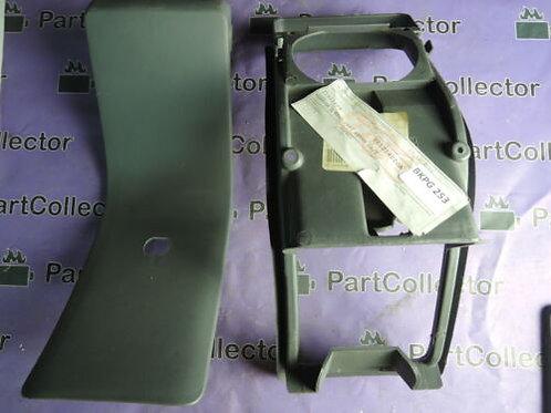 PIAGGIO HEXAGON GT LX4 LX LXT GT 250 FRAME DOOR CAP RESERVOIR COVER 561254000A
