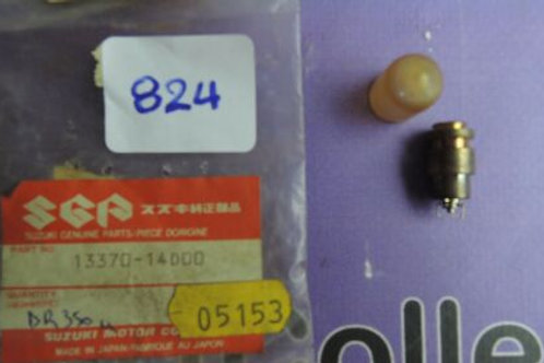 SUZUKI  VALVE CARBURETOR NEEDLE 13370-38 B-13370-14000