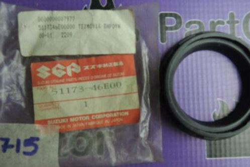SUZUKI GSX-R250RK R250RFK GJ73A FRONT FORK OIL SEAL 51153-27C20 51173-46E00
