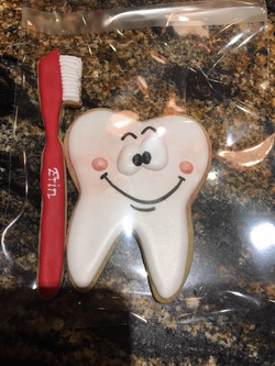 tooth_toothbrush