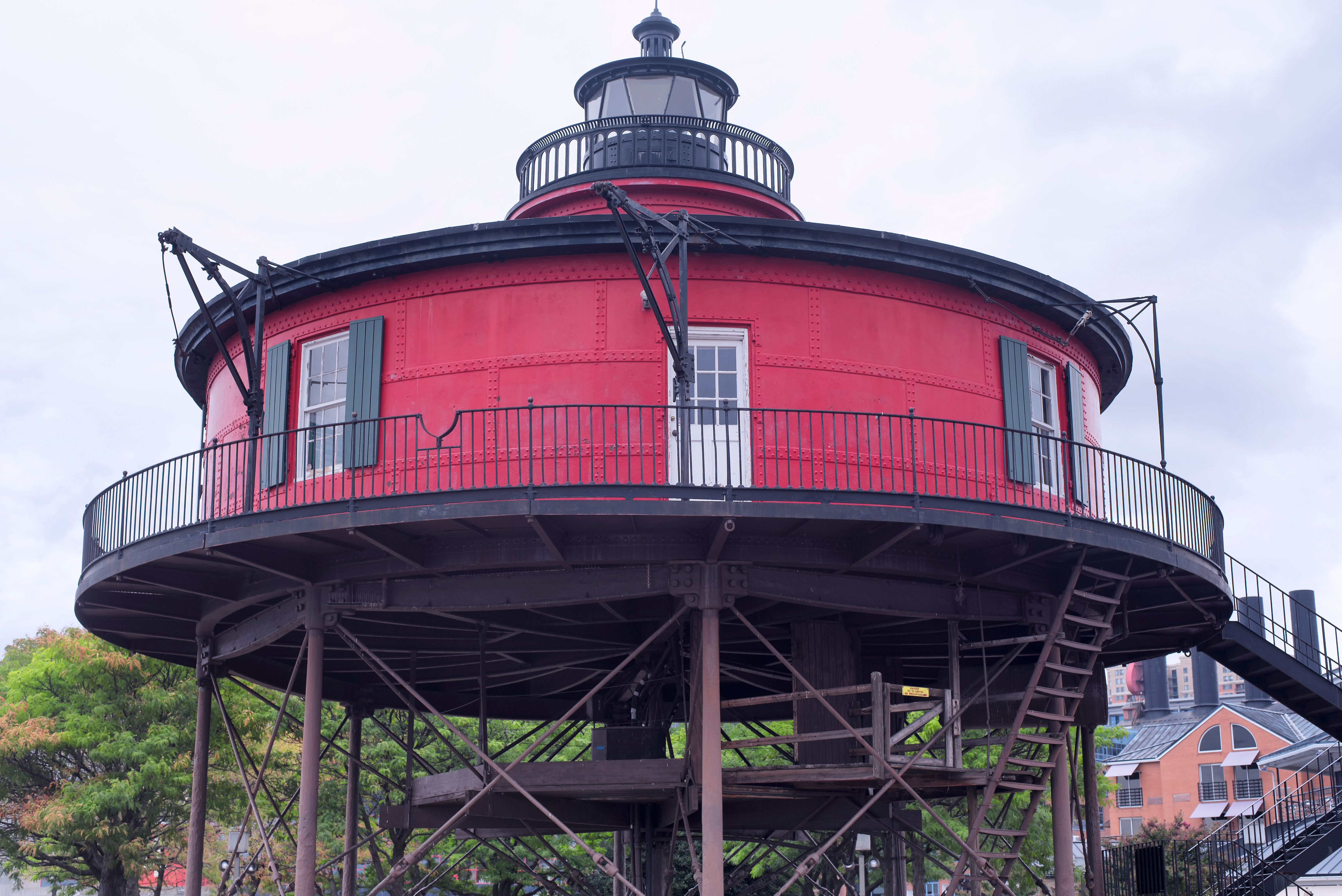 the historic red and black landmark seve