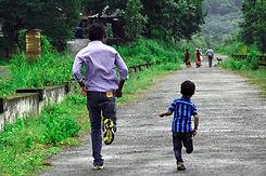 man-and-child-running_600px.jpg