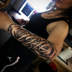 rose tattoo toulouse negatif ecriture