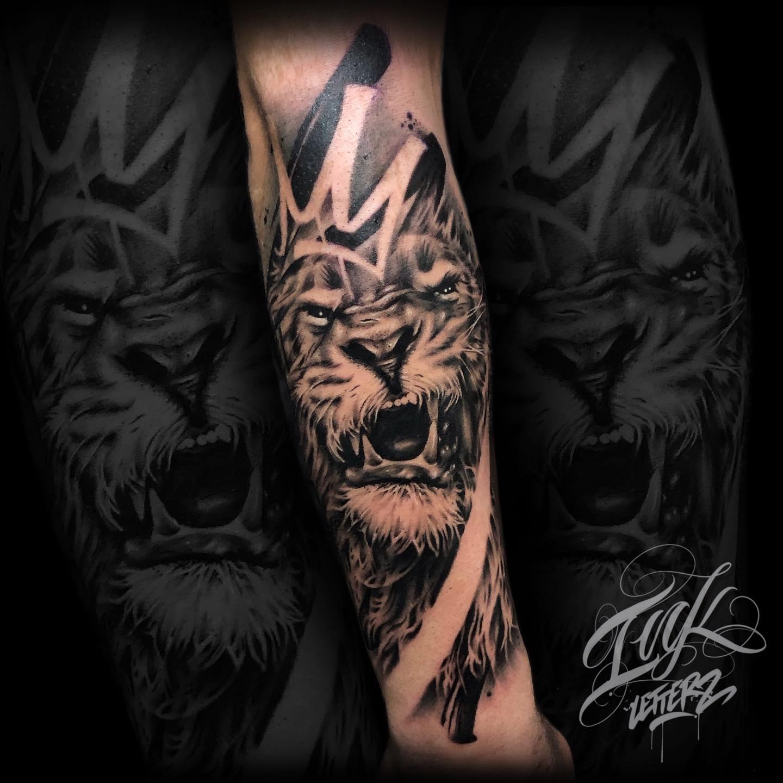 lion tattoo tatouage toulouse félin
