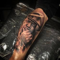notorious big tattoo tatouage à toulouse tatoueur réaliste spécialiste réalisme