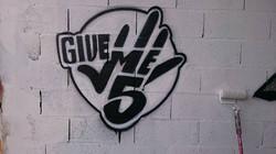 give me five toulouse graffiti